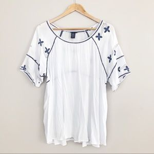 Torrid White Blue Flower Embroidered Blouse Top 1X